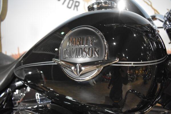 Harley-Davidson-Road King Classic-FLHRC-2009-Apeldoorn