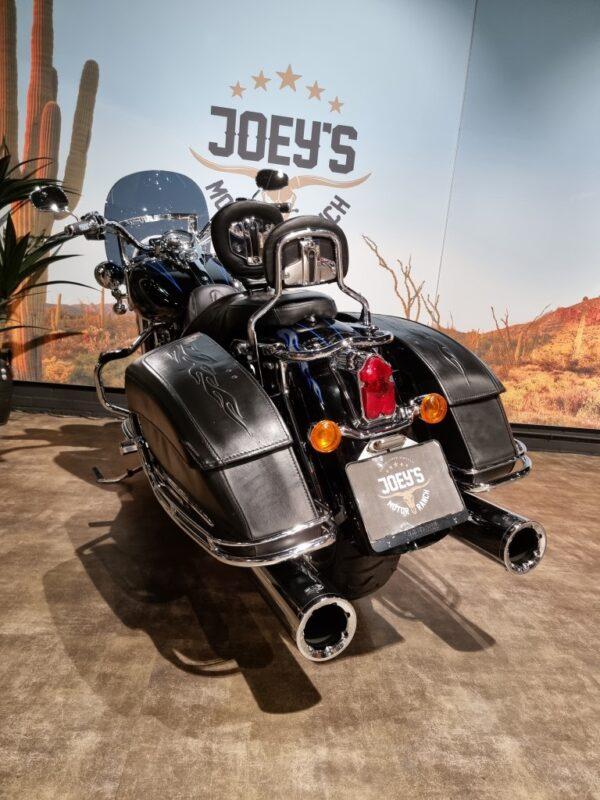 Harley-Davidson-Road King-CVO-FLHRSE-2007-Joey's motor ranch